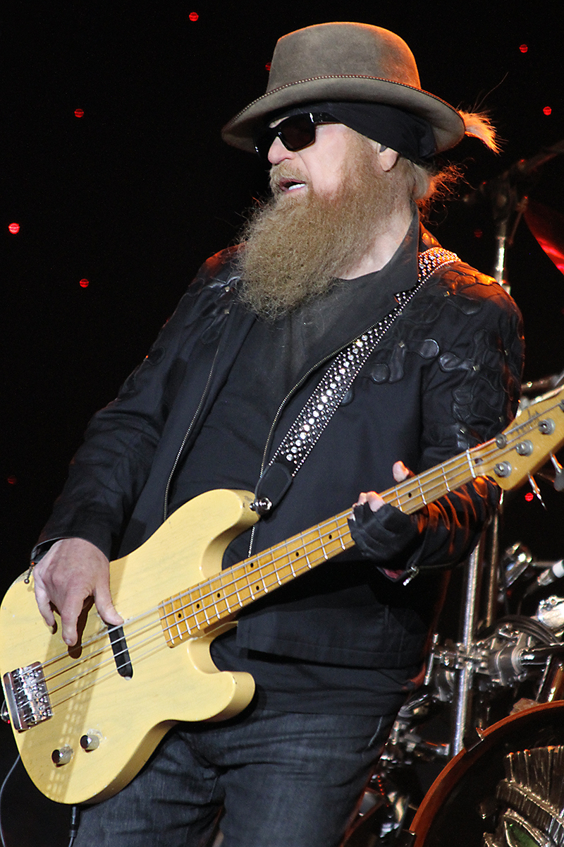 Zz Top Delivers Truck Full Of Hits To Prior Lake Mn