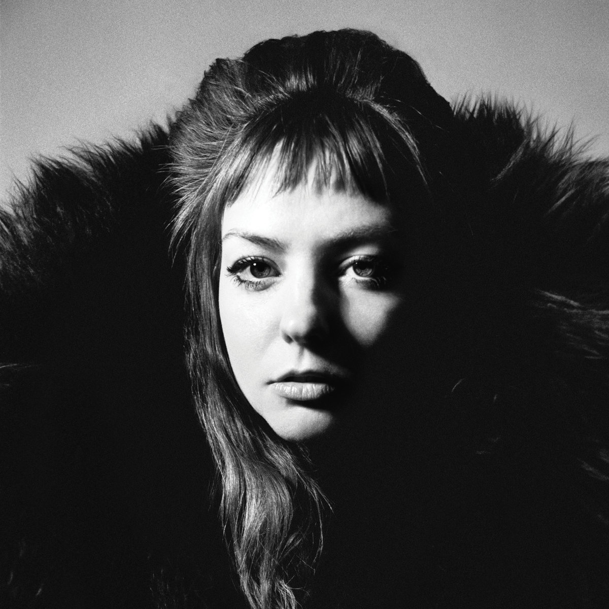 Angel Olsen Evolves with Impressively Cohesive and Resoundingly Huge Sound on 'All Mirrors' (ALBUM REVIEW)